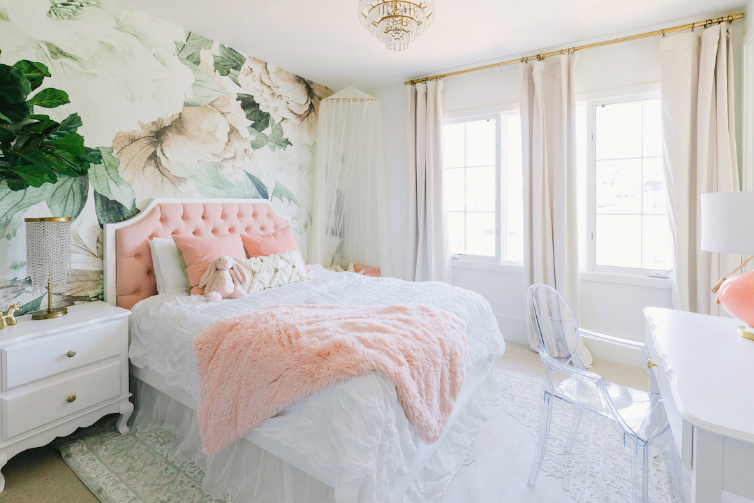 girls-bedroom-floral-wallpaper | Little Crown Interiors
