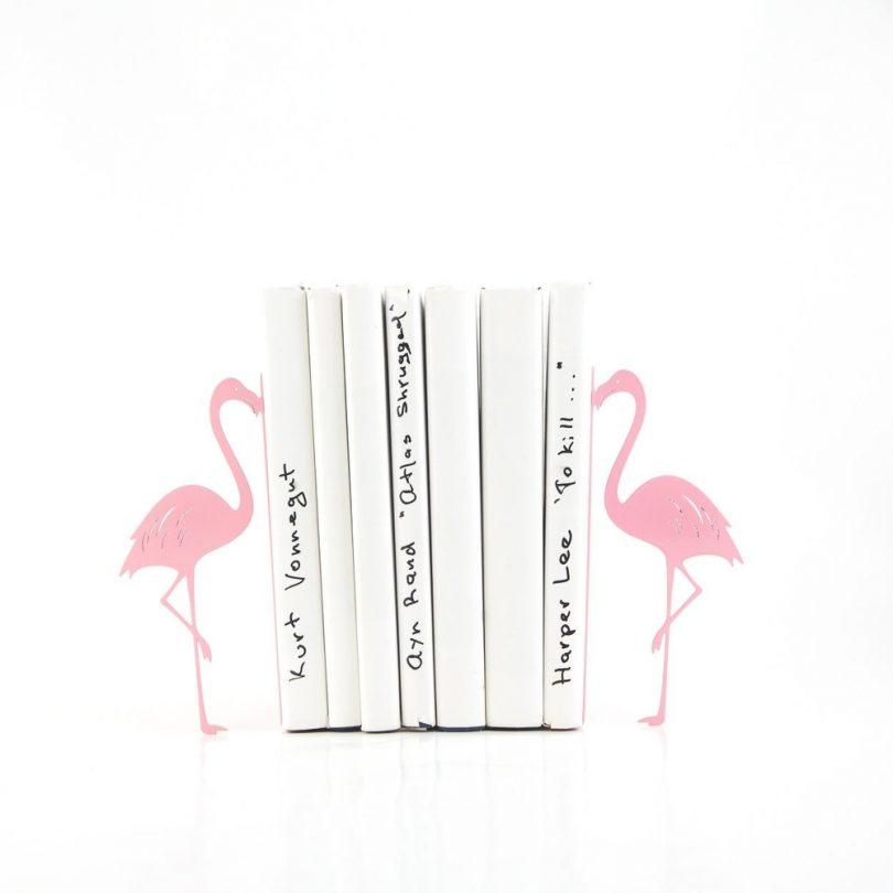 Metal pink flamingo bookends